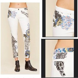 FREE PEOPLE  white peacock print skinny jeans